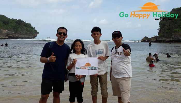 Rekomendasi Paket Wisata Bromo Malang Pantai 3 warna GO happy Holiday